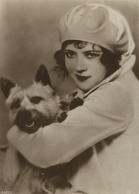 Actress Marie Prevost and a dog who didn't eat her..