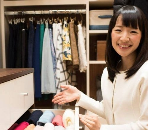 Marie Kondo tidying up